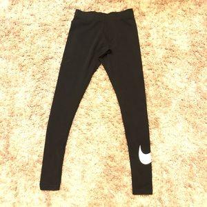 Nike Women's Leggings Swoosh On Leg Black/White